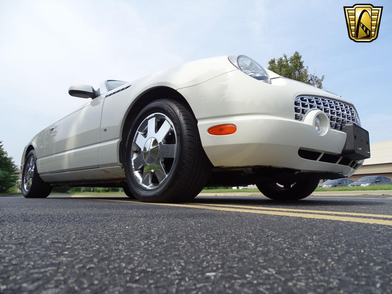 Large Picture of '03 Thunderbird located in Illinois Offered by Gateway Classic Cars - St. Louis - QB5Q