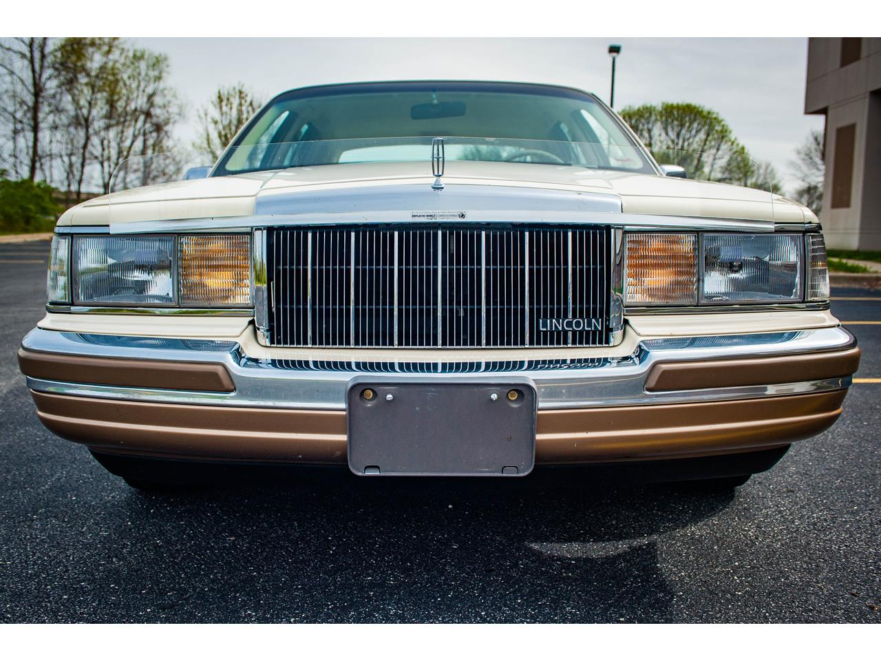 Large Picture of 1990 Town Car Offered by Gateway Classic Cars - St. Louis - QB8G