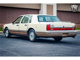 Picture of '90 Town Car located in O'Fallon Illinois - $16,500.00 Offered by Gateway Classic Cars - St. Louis - QB8G