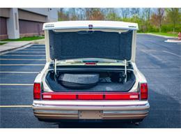 Picture of 1990 Lincoln Town Car located in O'Fallon Illinois - QB8G