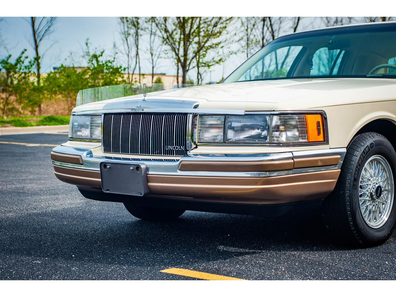 Large Picture of '90 Lincoln Town Car - $16,500.00 Offered by Gateway Classic Cars - St. Louis - QB8G