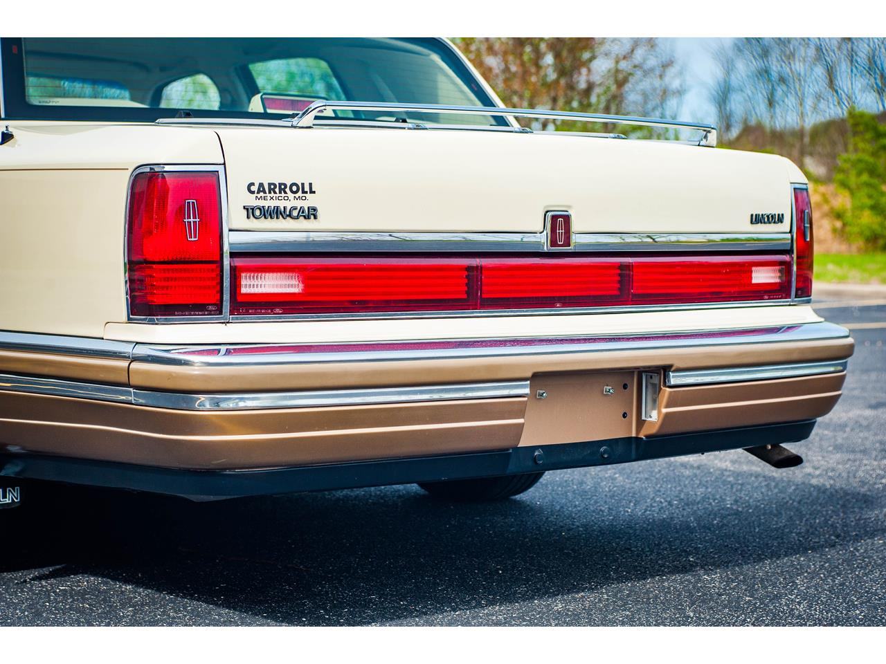 Large Picture of 1990 Town Car - $16,500.00 Offered by Gateway Classic Cars - St. Louis - QB8G