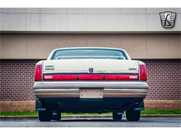 Picture of '90 Lincoln Town Car located in O'Fallon Illinois - $16,500.00 Offered by Gateway Classic Cars - St. Louis - QB8G