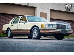 Picture of 1990 Town Car Offered by Gateway Classic Cars - St. Louis - QB8G