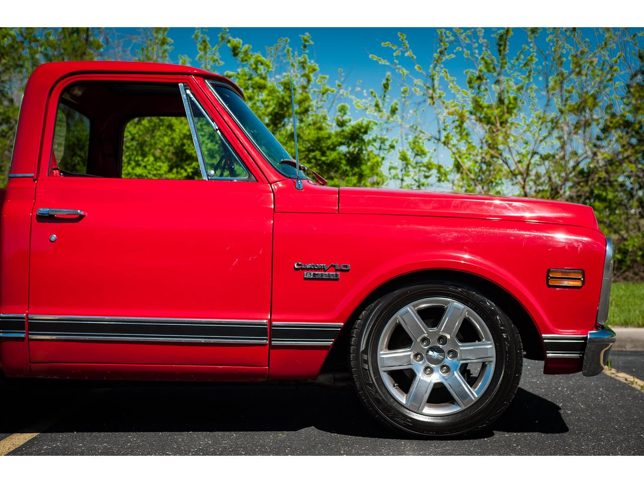 Large Picture of Classic '69 C10 located in O'Fallon Illinois - $44,500.00 Offered by Gateway Classic Cars - St. Louis - QB8I