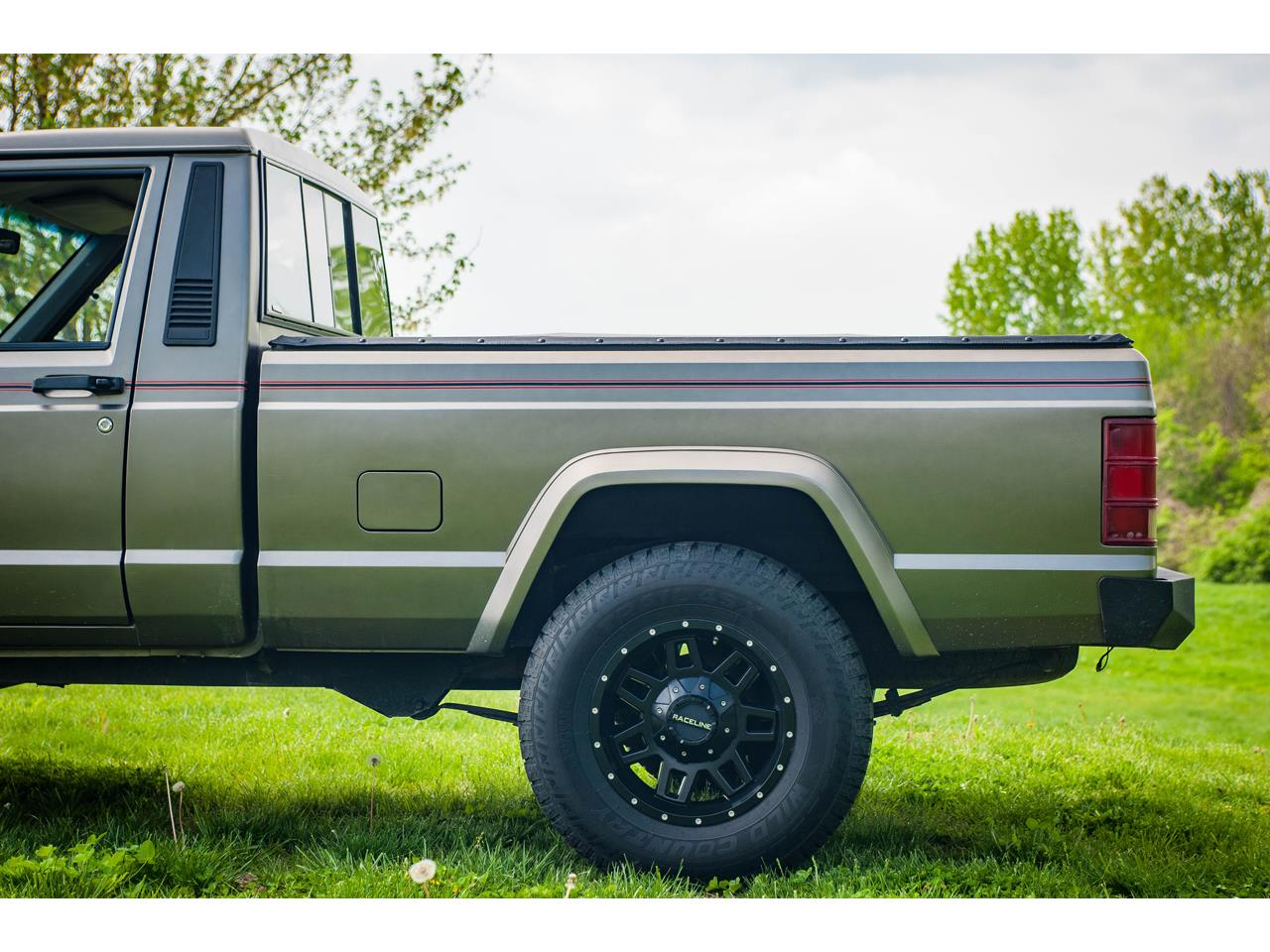 Large Picture of 1990 Jeep Comanche located in O'Fallon Illinois Offered by Gateway Classic Cars - St. Louis - QB8P