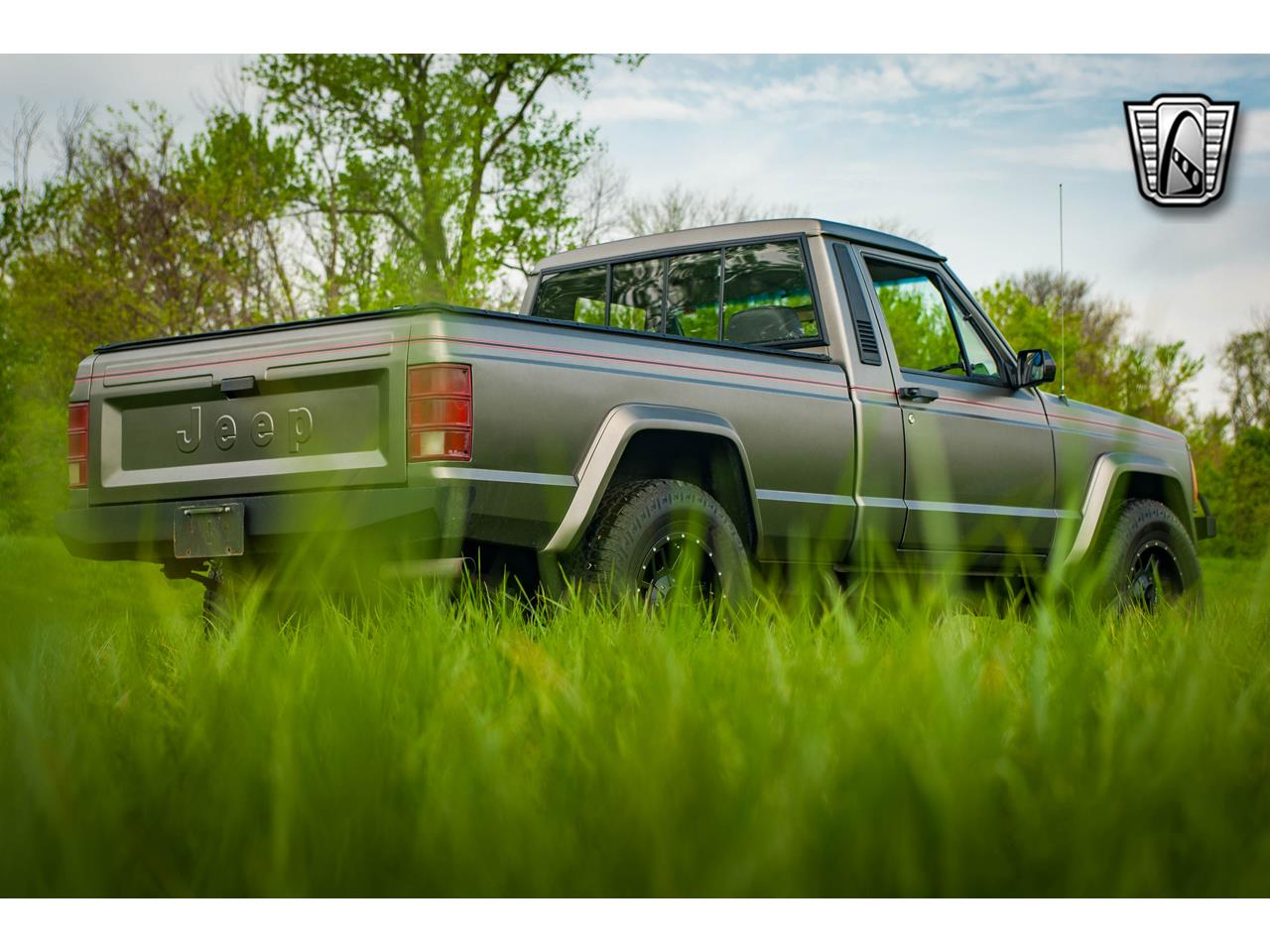 Large Picture of '90 Comanche located in O'Fallon Illinois - $16,500.00 - QB8P