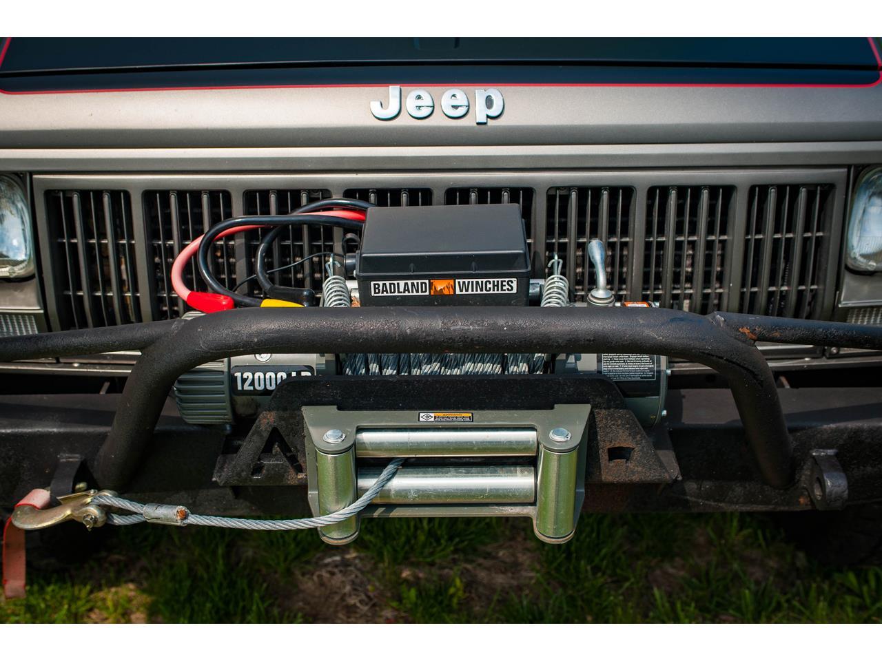 Large Picture of 1990 Jeep Comanche located in O'Fallon Illinois - $16,500.00 - QB8P
