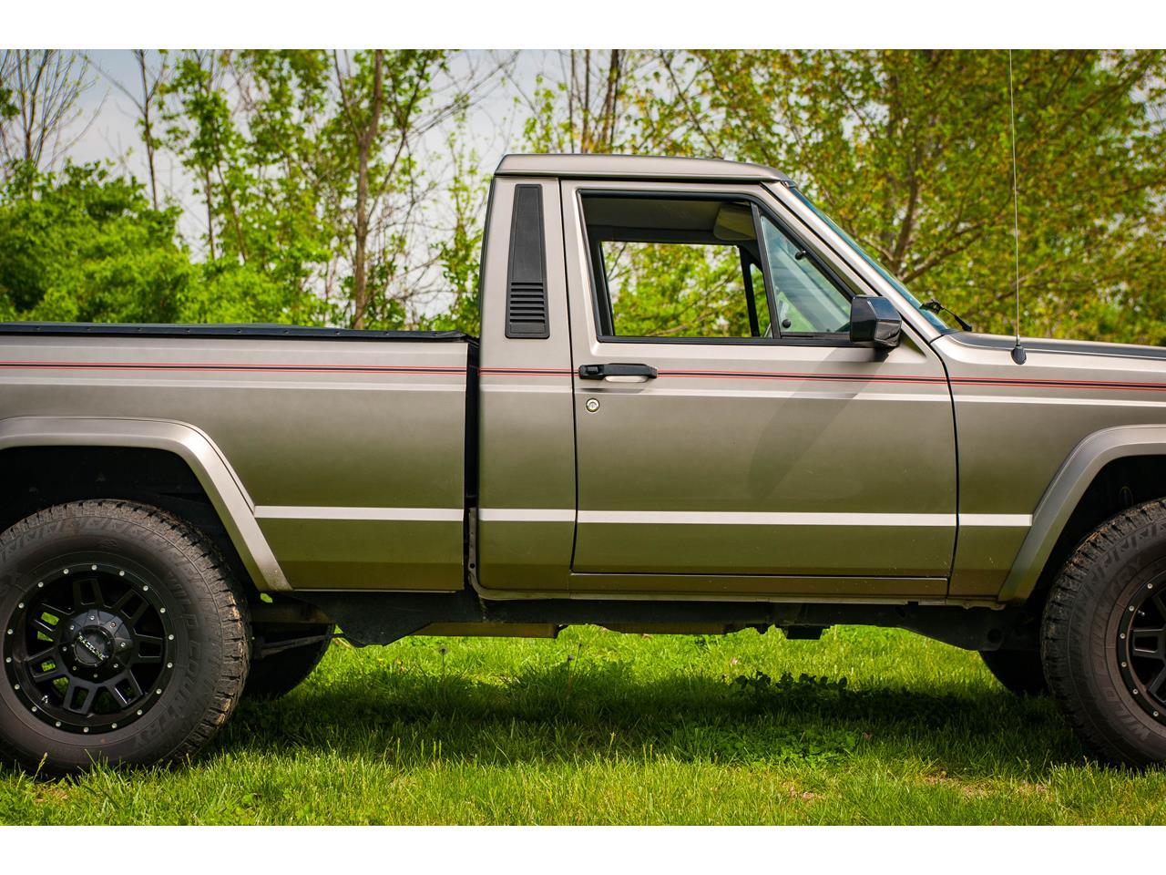 Large Picture of 1990 Jeep Comanche located in Illinois - QB8P
