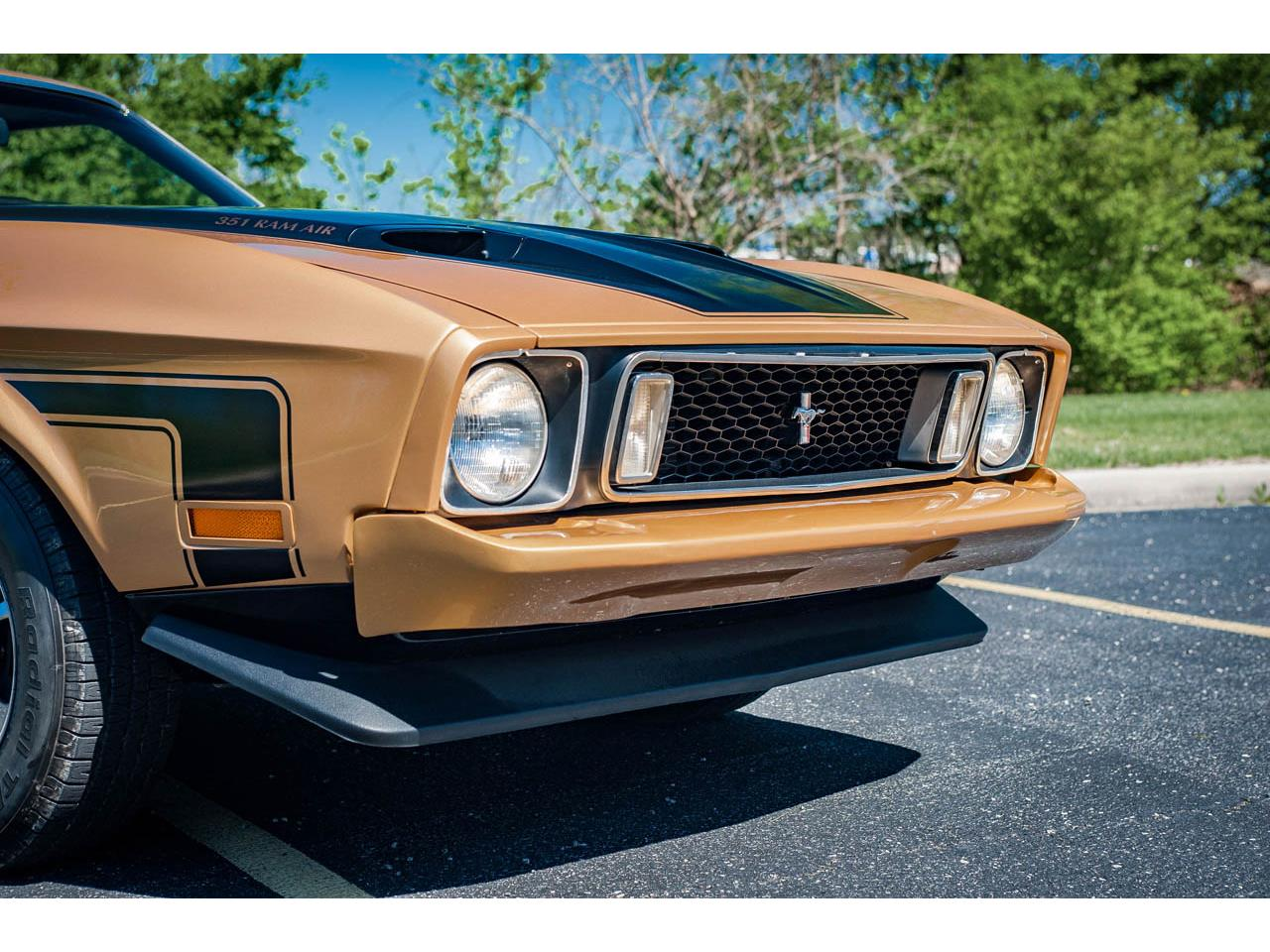 Large Picture of '73 Ford Mustang - QB8T