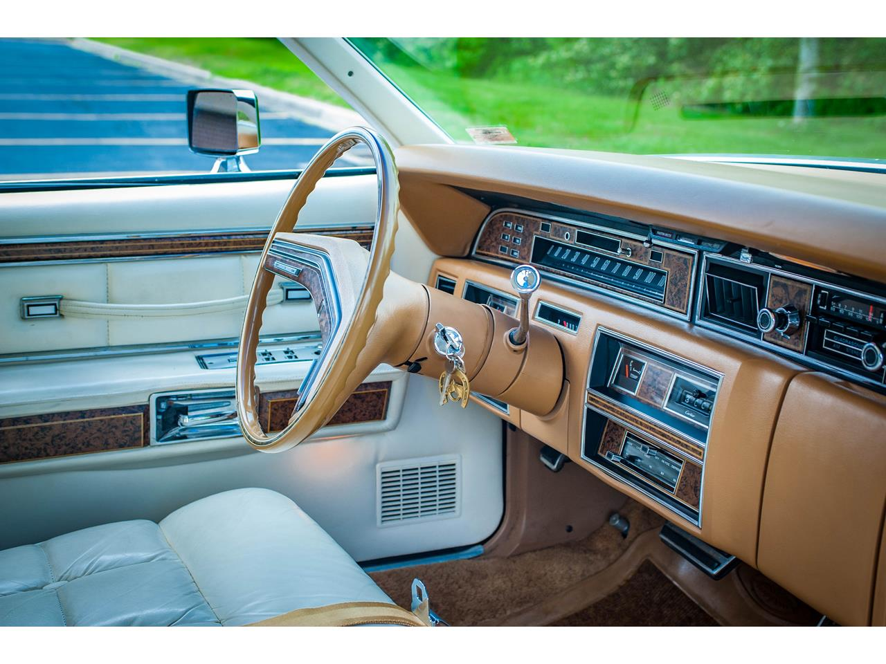 Large Picture of '76 Continental - QB95