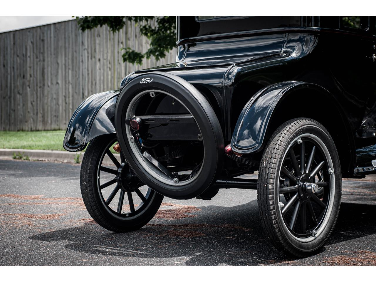 Large Picture of '25 Model T located in Illinois - QB96