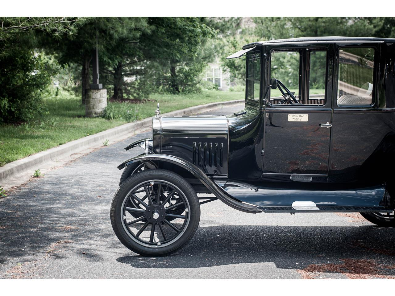 Large Picture of Classic 1925 Model T located in O'Fallon Illinois Offered by Gateway Classic Cars - St. Louis - QB96