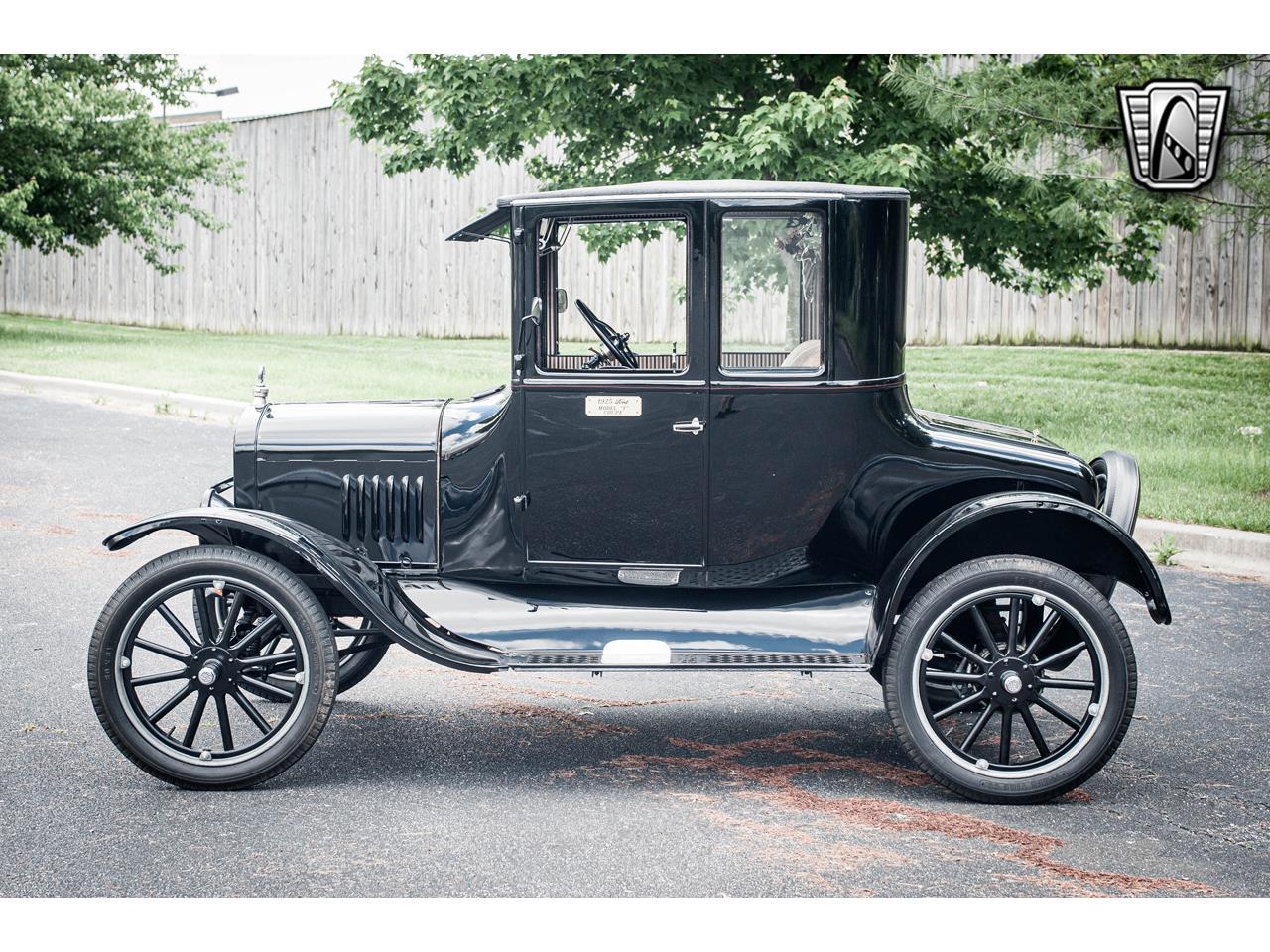 Large Picture of Classic 1925 Model T located in O'Fallon Illinois - $18,000.00 - QB96