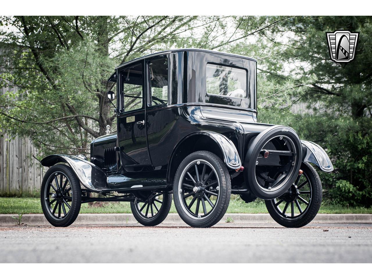 Large Picture of Classic 1925 Model T located in O'Fallon Illinois - QB96