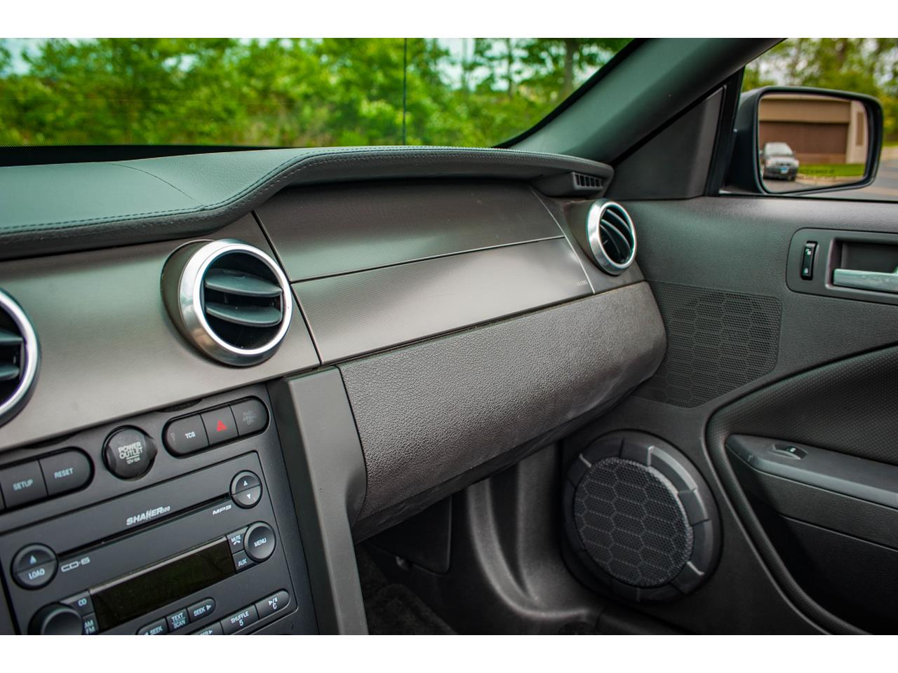 Large Picture of '07 Mustang located in O'Fallon Illinois - $40,500.00 Offered by Gateway Classic Cars - St. Louis - QB98