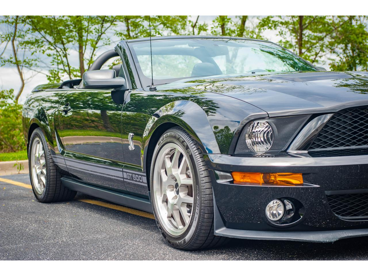 Large Picture of '07 Mustang located in O'Fallon Illinois - $40,500.00 - QB98
