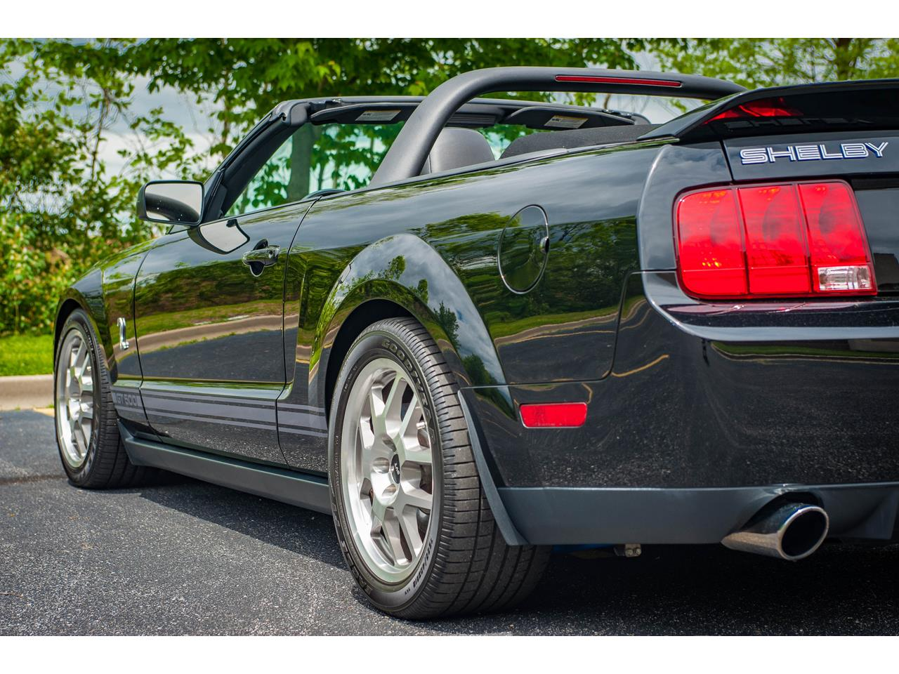 Large Picture of 2007 Mustang located in O'Fallon Illinois - $40,500.00 Offered by Gateway Classic Cars - St. Louis - QB98