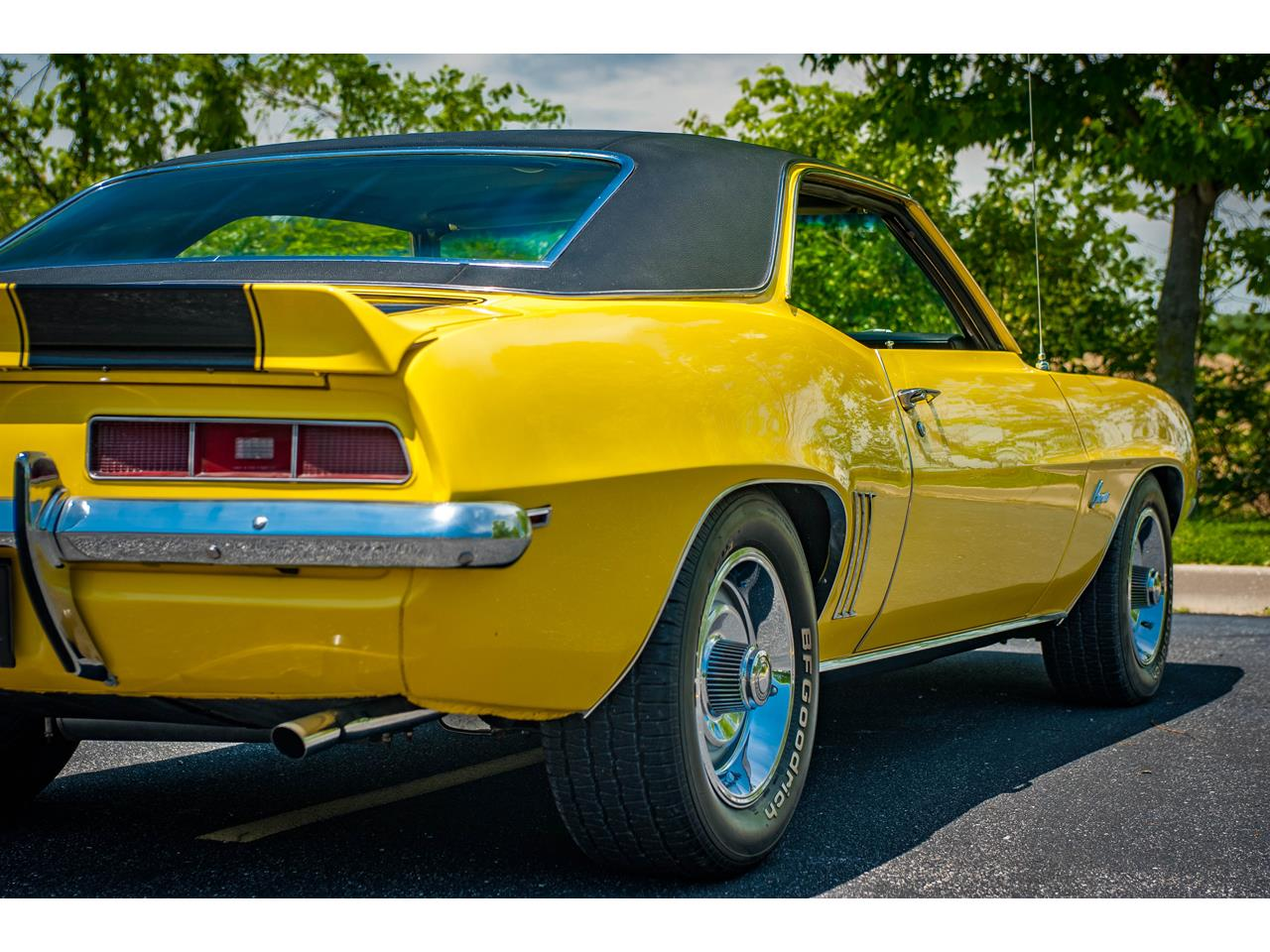 Large Picture of Classic '69 Chevrolet Camaro located in O'Fallon Illinois Offered by Gateway Classic Cars - St. Louis - QB9B