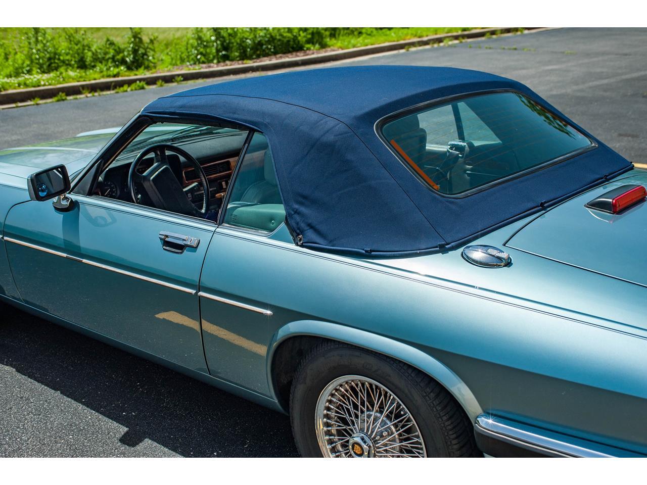 Large Picture of 1990 Jaguar XJS located in Illinois - $15,500.00 - QB9E
