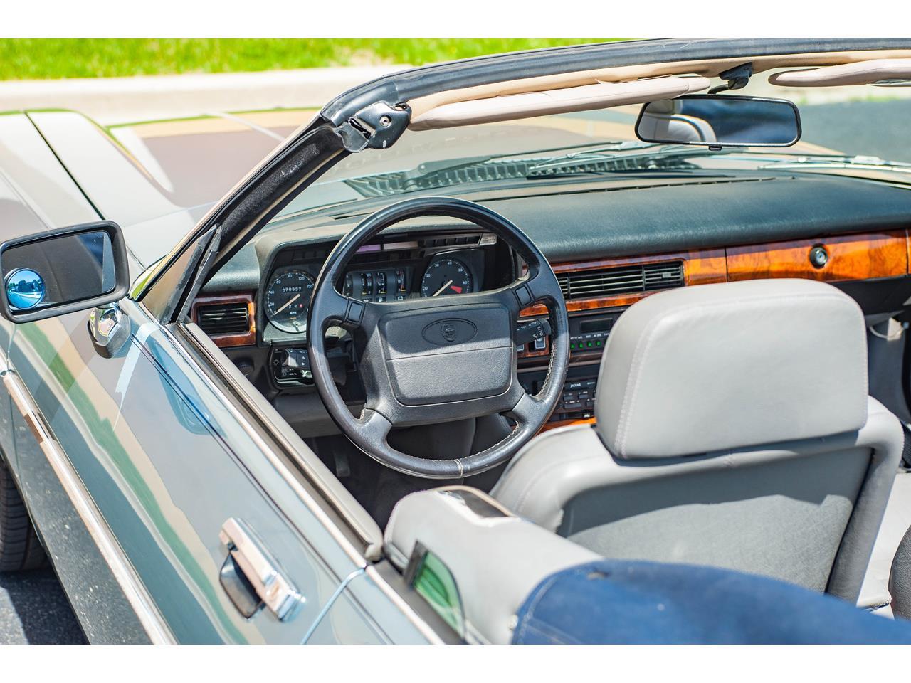 Large Picture of 1990 Jaguar XJS located in O'Fallon Illinois - $15,500.00 - QB9E