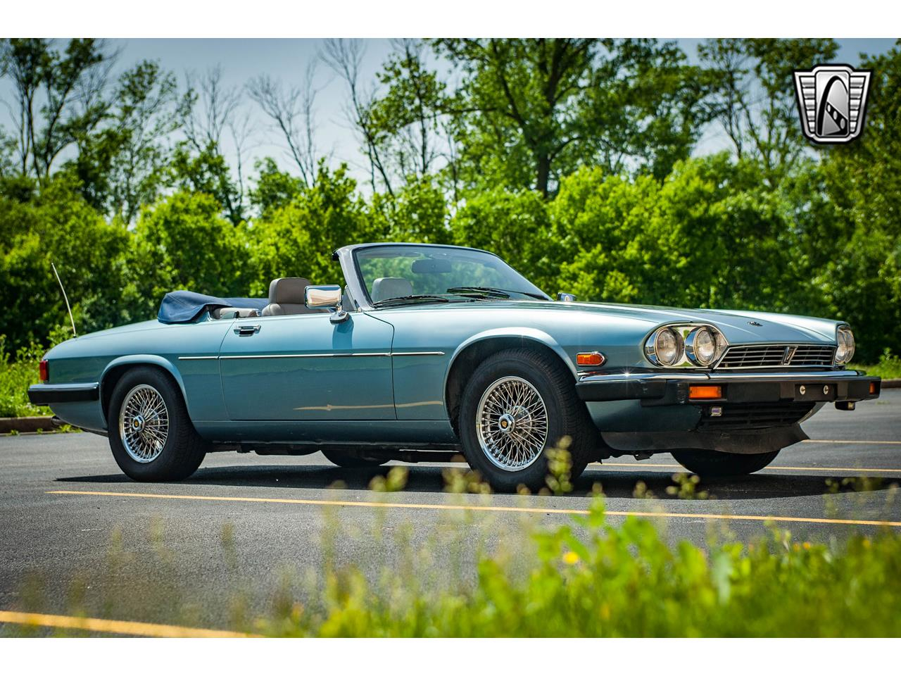 Large Picture of 1990 Jaguar XJS located in Illinois Offered by Gateway Classic Cars - St. Louis - QB9E