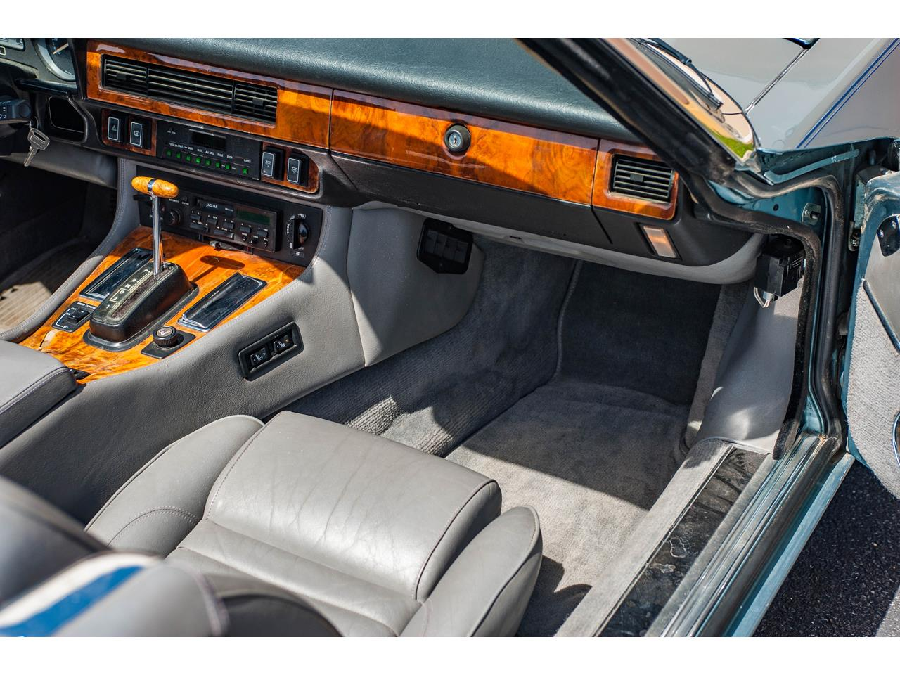 Large Picture of 1990 Jaguar XJS Offered by Gateway Classic Cars - St. Louis - QB9E