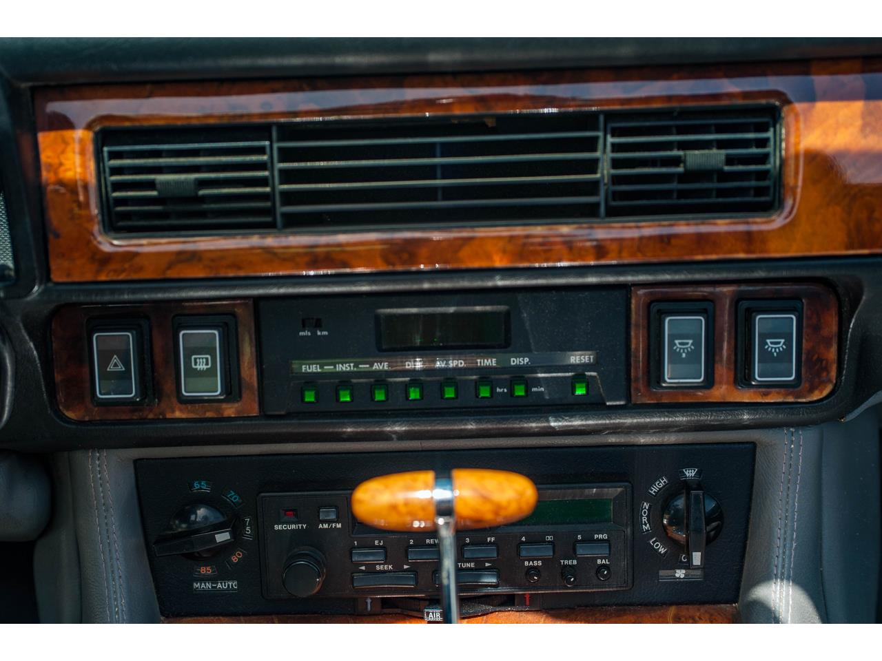 Large Picture of 1990 XJS located in Illinois - QB9E