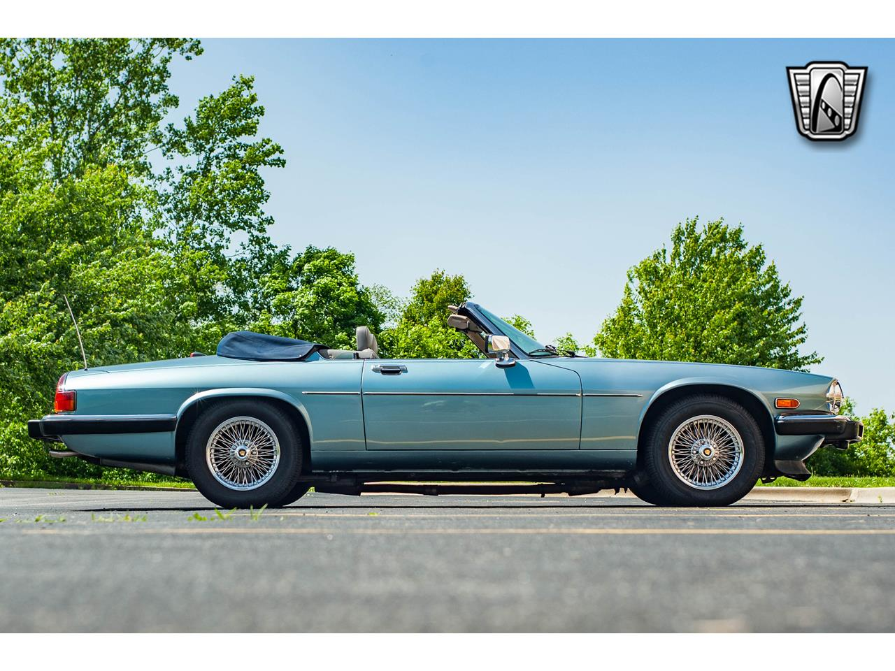 Large Picture of '90 XJS located in O'Fallon Illinois Offered by Gateway Classic Cars - St. Louis - QB9E