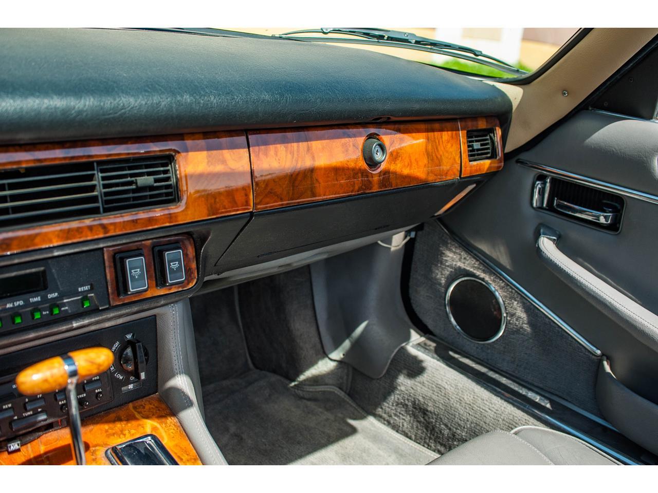 Large Picture of 1990 XJS located in O'Fallon Illinois - $15,500.00 - QB9E