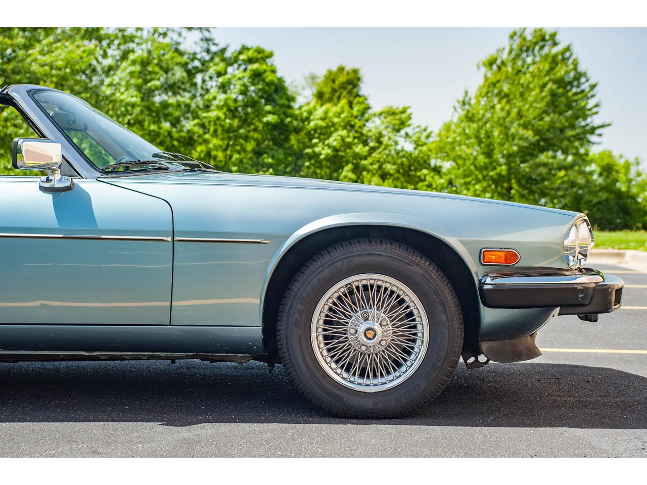 Large Picture of 1990 Jaguar XJS located in O'Fallon Illinois Offered by Gateway Classic Cars - St. Louis - QB9E