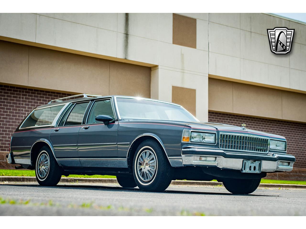 Large Picture of '89 Chevrolet Caprice located in O'Fallon Illinois - QB9K