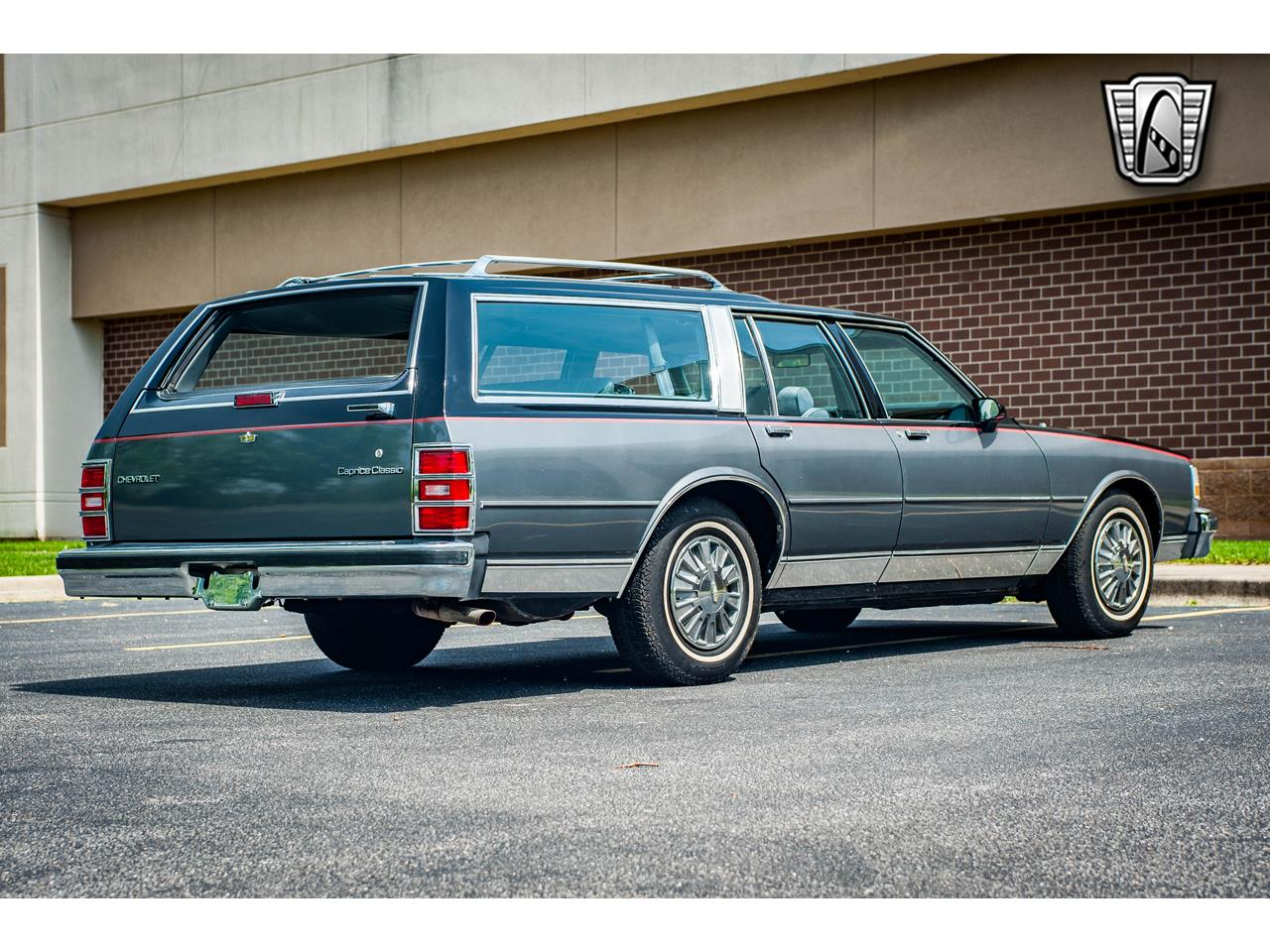 Large Picture of '89 Chevrolet Caprice located in O'Fallon Illinois Offered by Gateway Classic Cars - St. Louis - QB9K