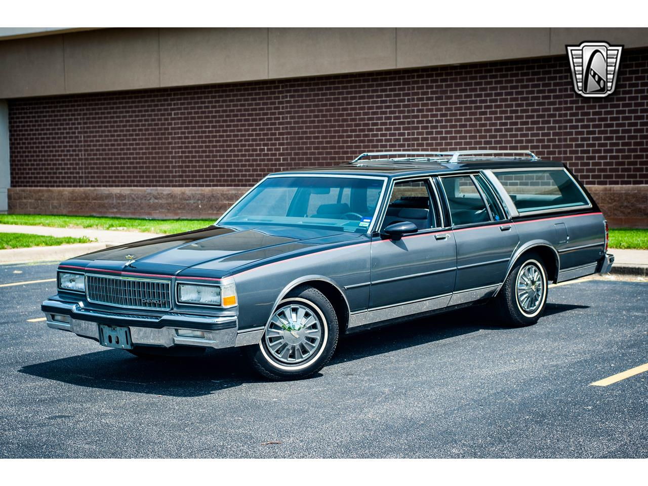 Large Picture of '89 Chevrolet Caprice located in Illinois Offered by Gateway Classic Cars - St. Louis - QB9K