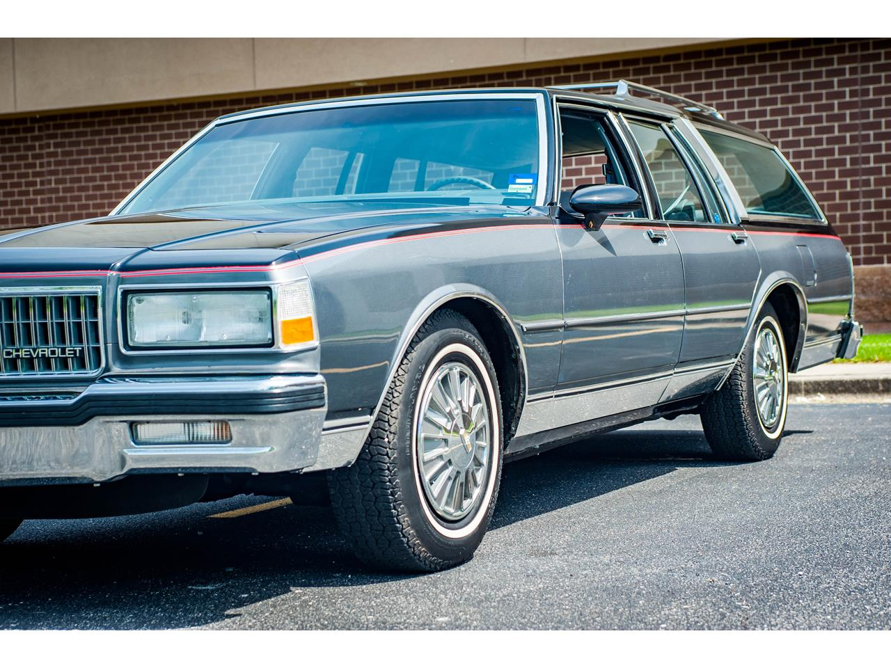 Large Picture of '89 Chevrolet Caprice - $17,995.00 - QB9K