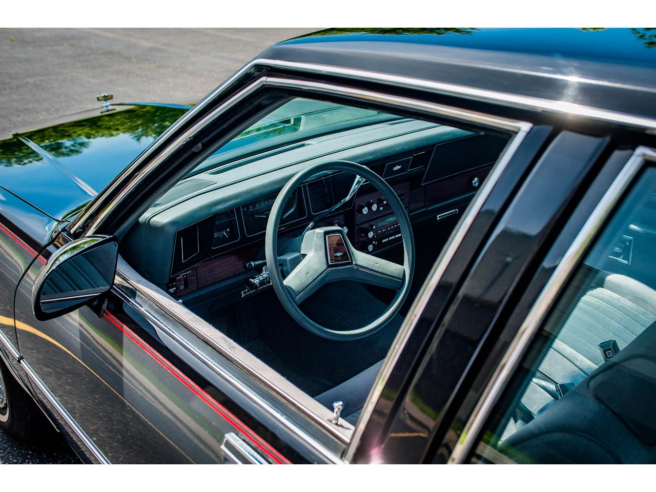 Large Picture of 1989 Caprice located in O'Fallon Illinois - $17,995.00 Offered by Gateway Classic Cars - St. Louis - QB9K