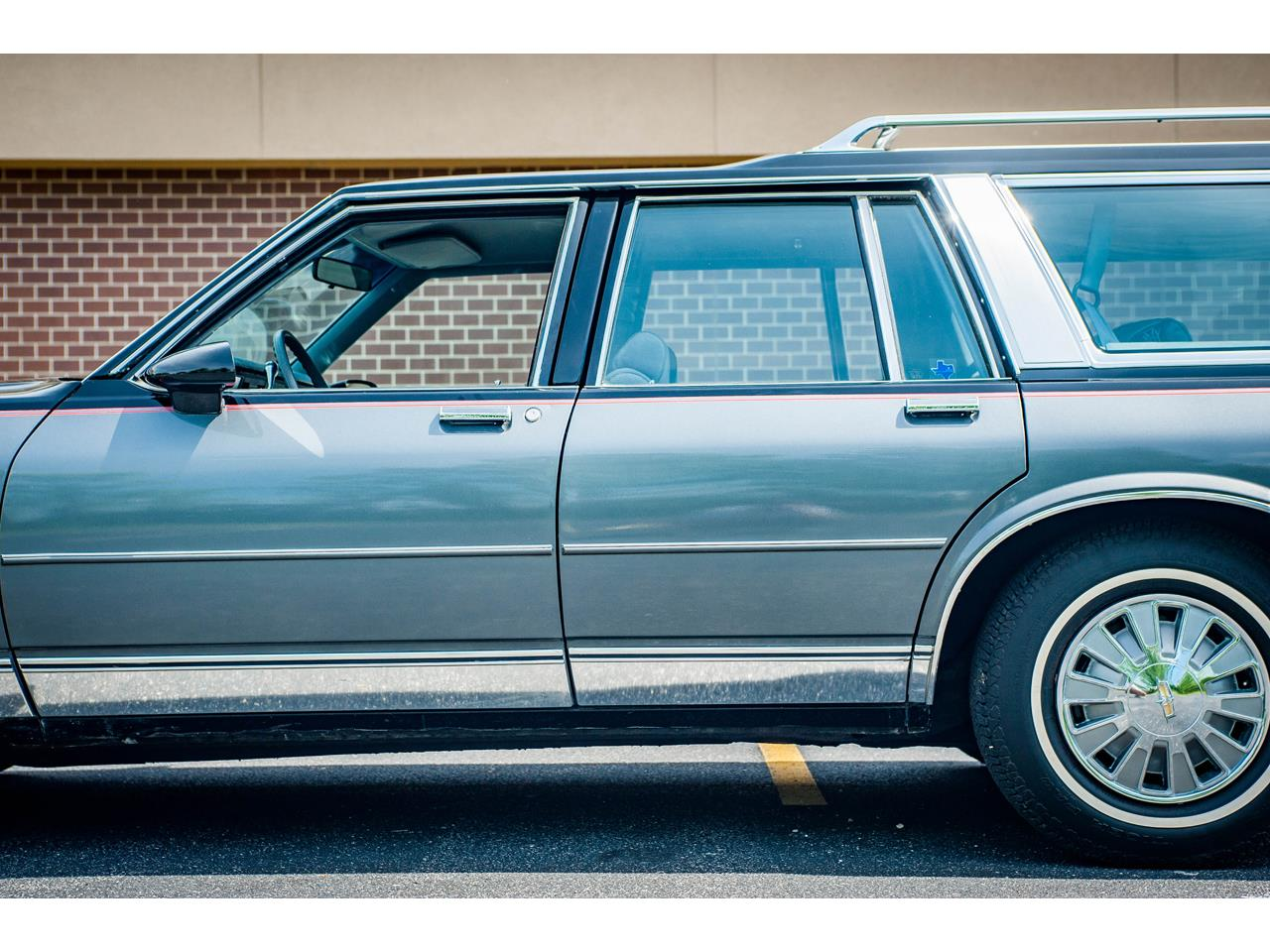 Large Picture of '89 Caprice located in Illinois - $17,995.00 Offered by Gateway Classic Cars - St. Louis - QB9K