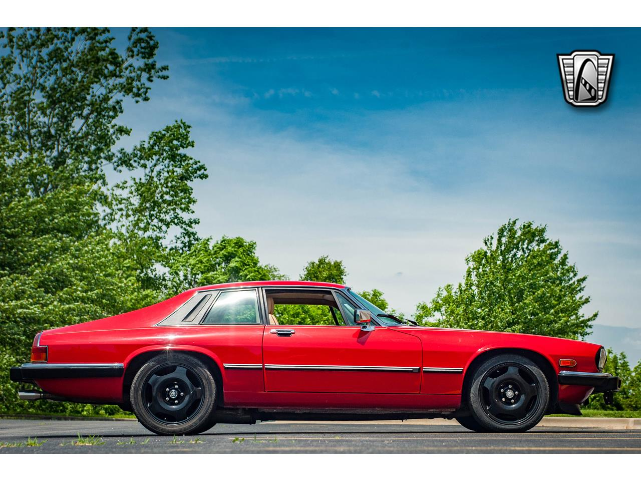 Large Picture of '89 Jaguar XJS located in O'Fallon Illinois Offered by Gateway Classic Cars - St. Louis - QB9L