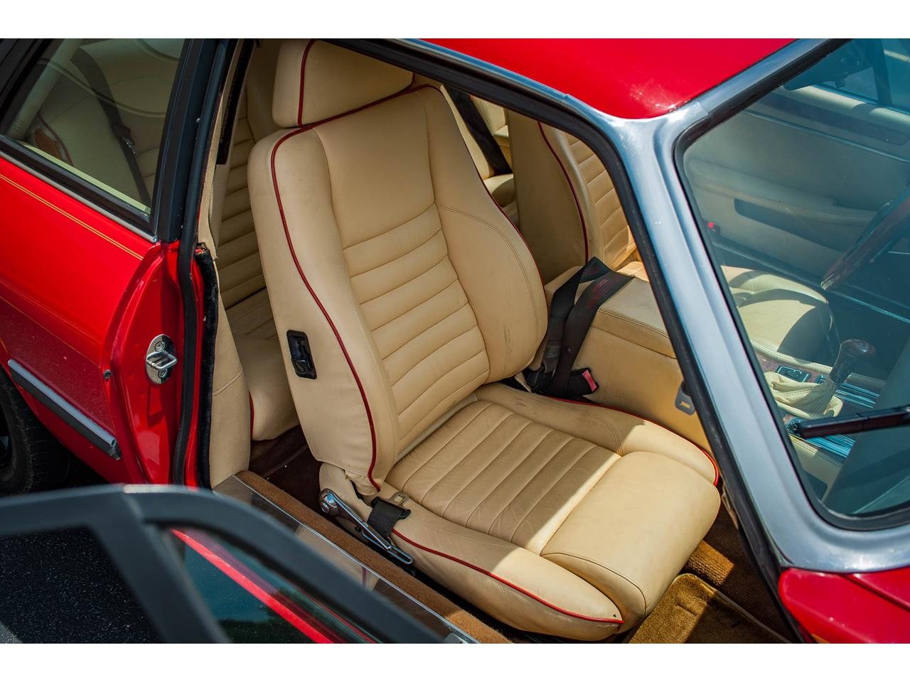 Large Picture of 1989 Jaguar XJS located in O'Fallon Illinois - $20,000.00 Offered by Gateway Classic Cars - St. Louis - QB9L