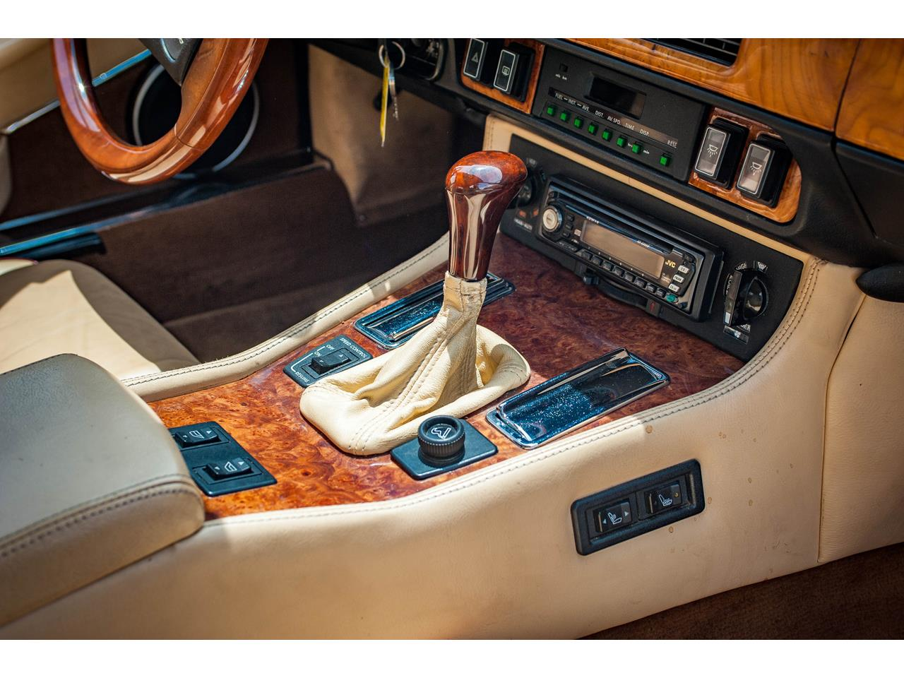 Large Picture of '89 XJS located in O'Fallon Illinois - $20,000.00 Offered by Gateway Classic Cars - St. Louis - QB9L