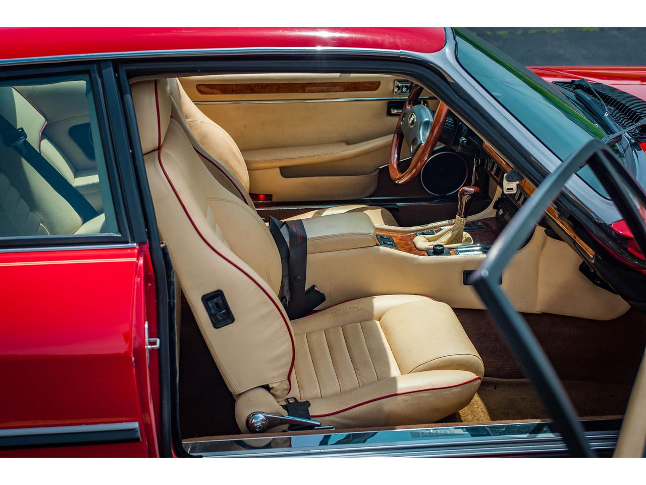 Large Picture of '89 Jaguar XJS located in Illinois - $20,000.00 - QB9L