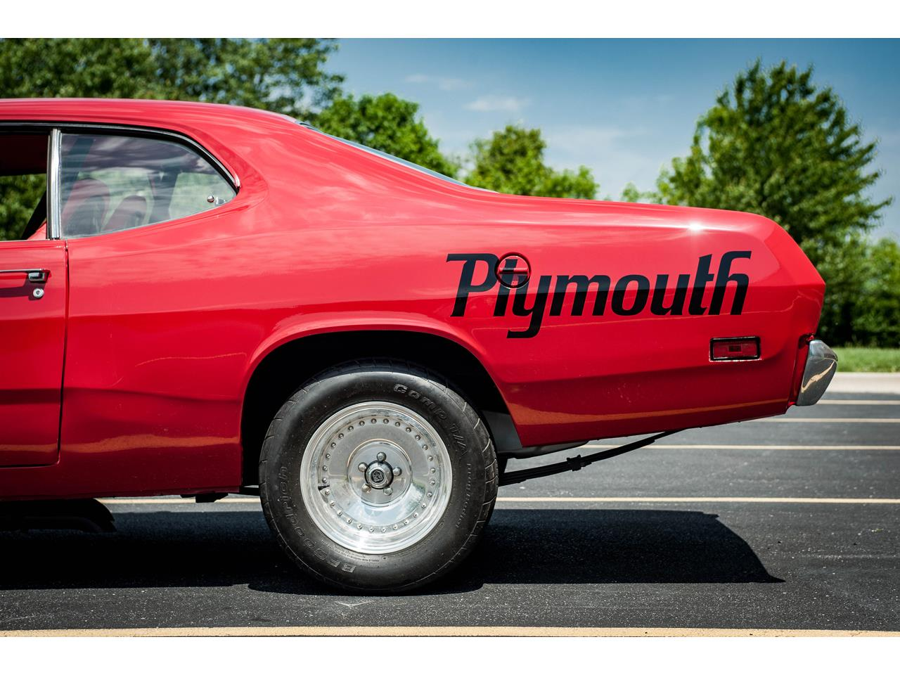 Large Picture of Classic 1971 Duster located in Illinois Offered by Gateway Classic Cars - St. Louis - QB9U