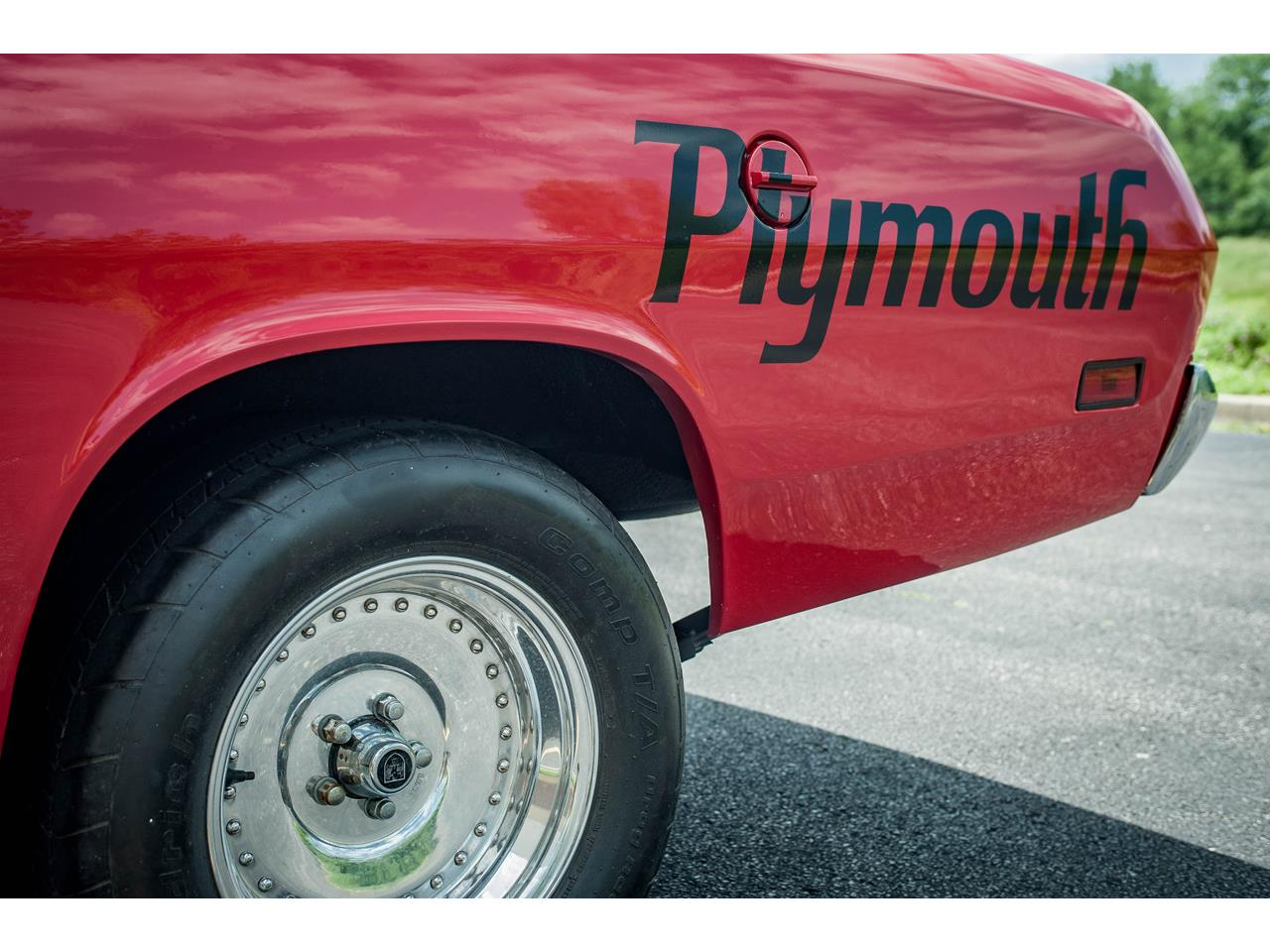 Large Picture of '71 Plymouth Duster located in Illinois Offered by Gateway Classic Cars - St. Louis - QB9U