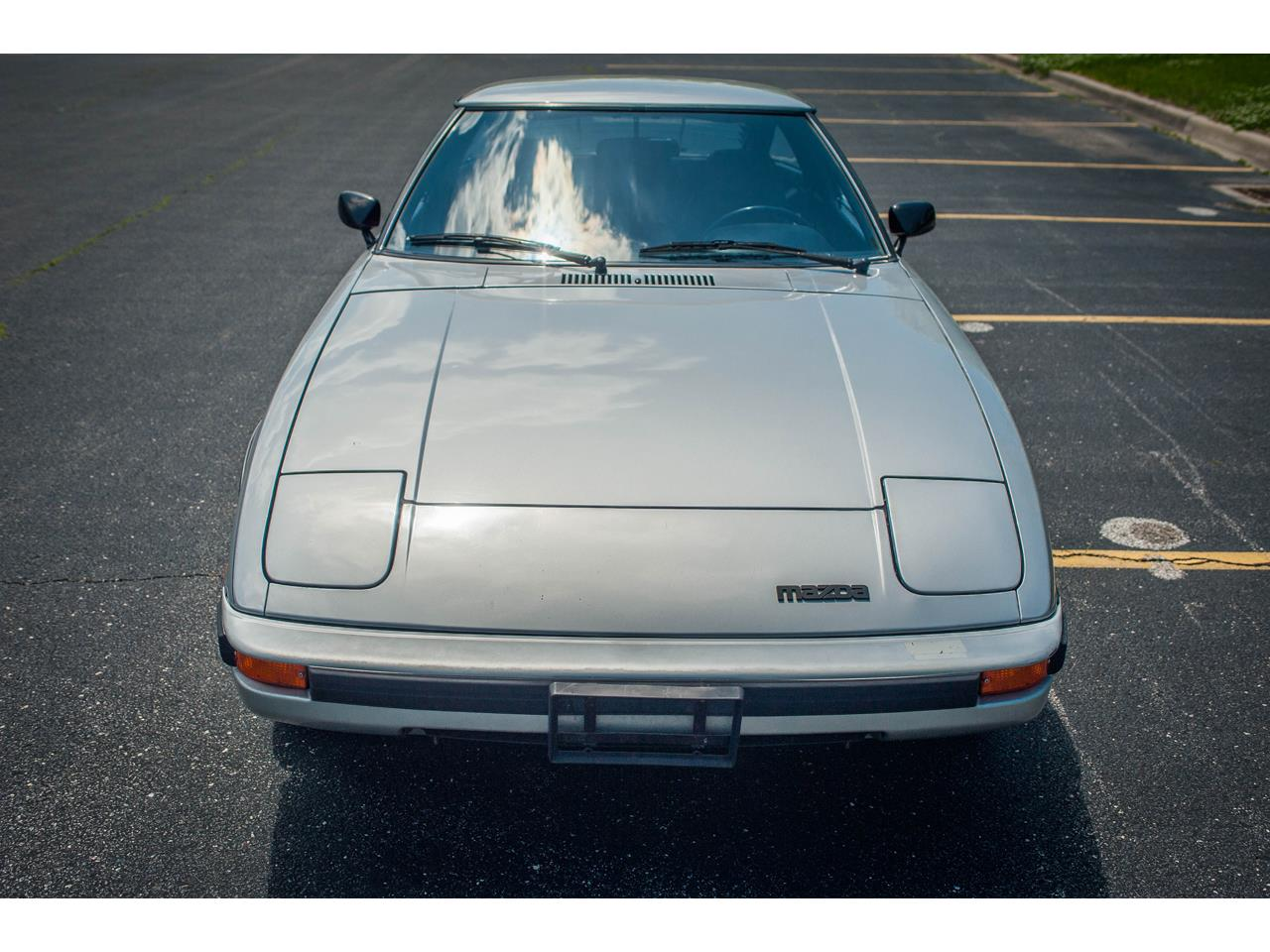 Large Picture of '82 Mazda RX-7 located in Illinois Offered by Gateway Classic Cars - St. Louis - QB9V