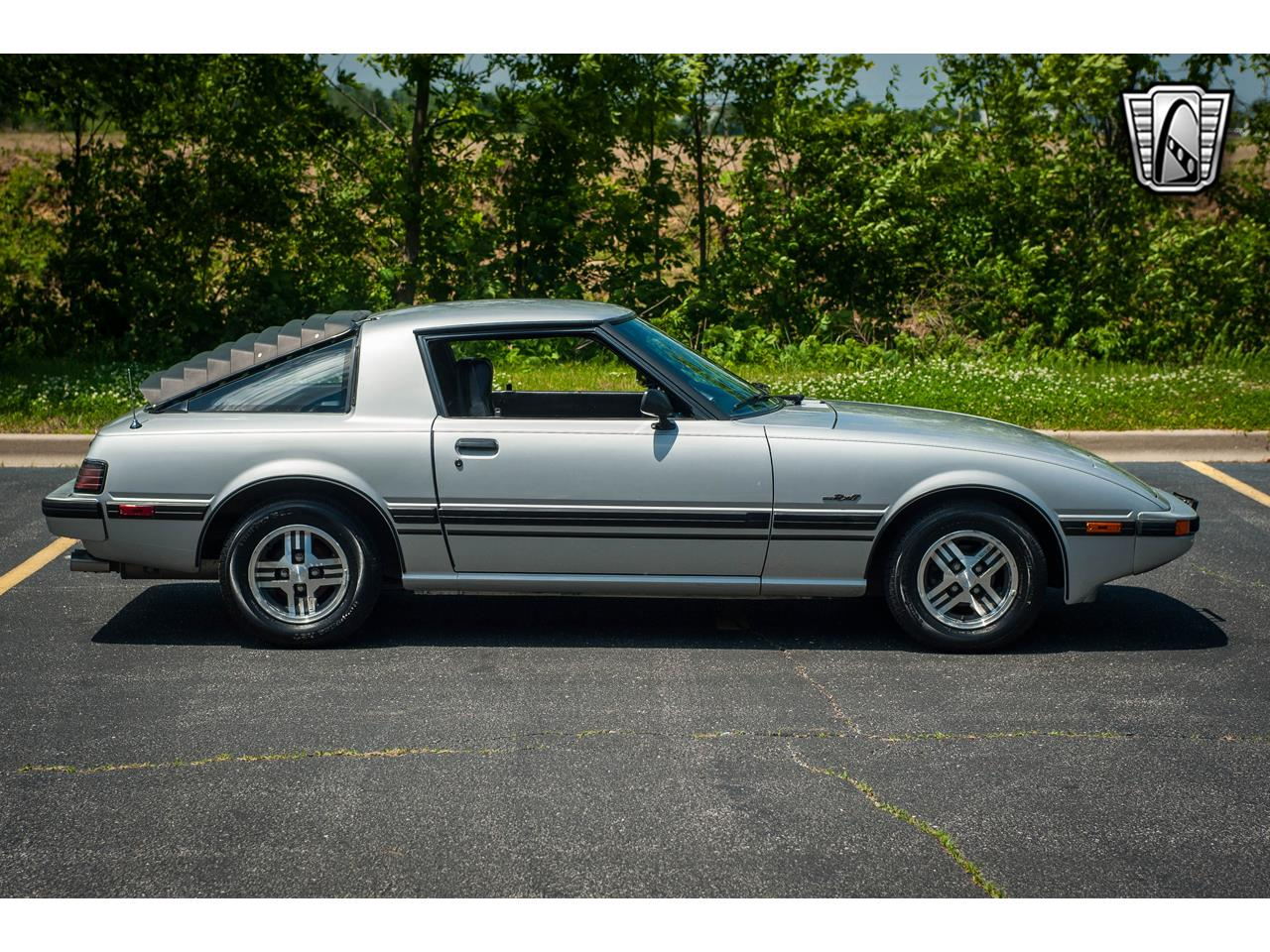 Large Picture of '82 Mazda RX-7 located in Illinois - QB9V