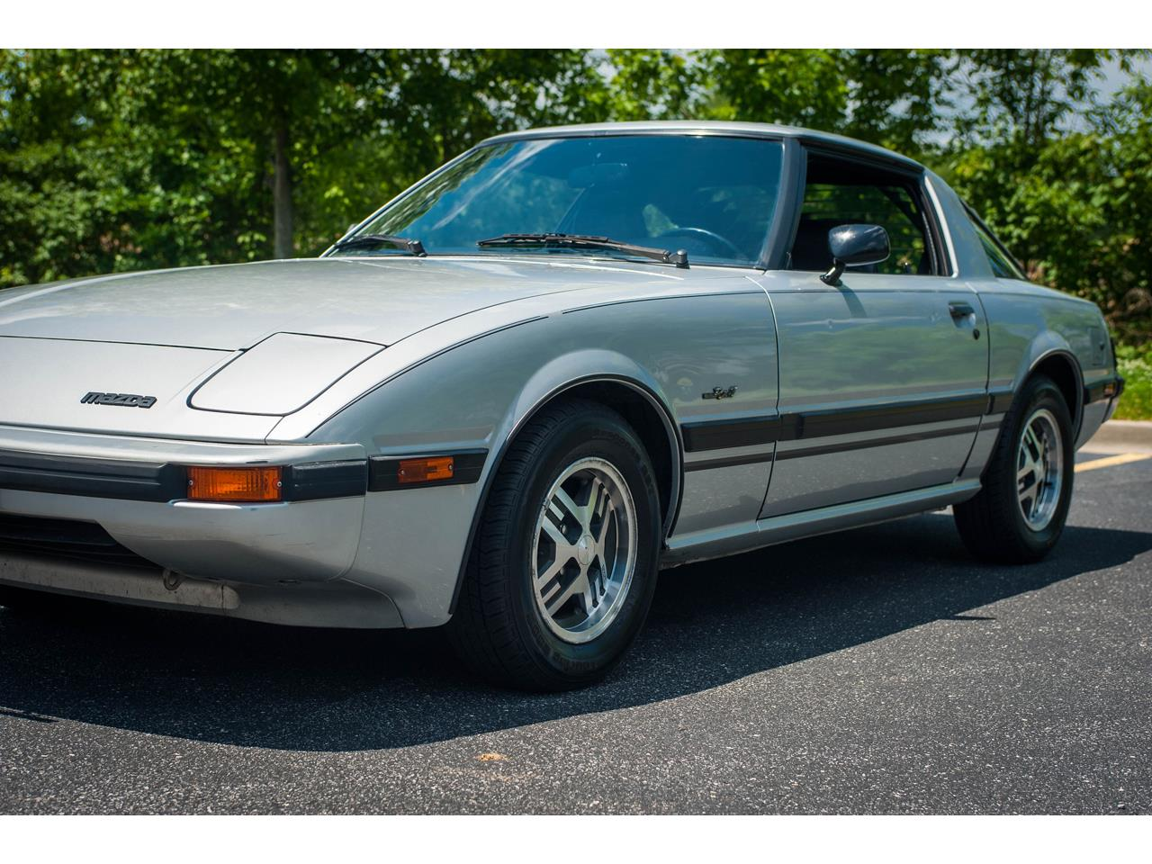 Large Picture of '82 Mazda RX-7 Offered by Gateway Classic Cars - St. Louis - QB9V