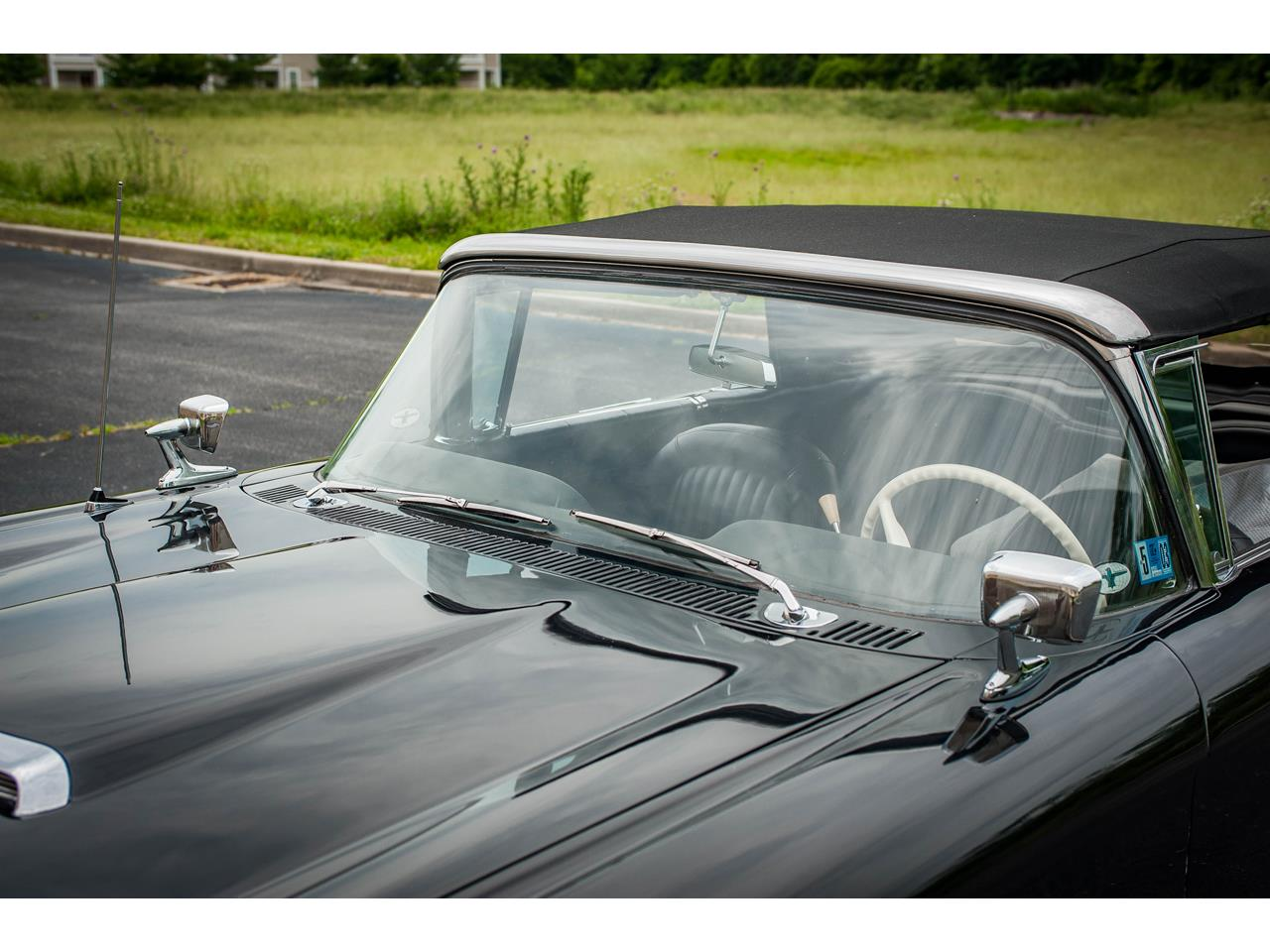 Large Picture of Classic '60 Ford Thunderbird - $40,500.00 - QB9W