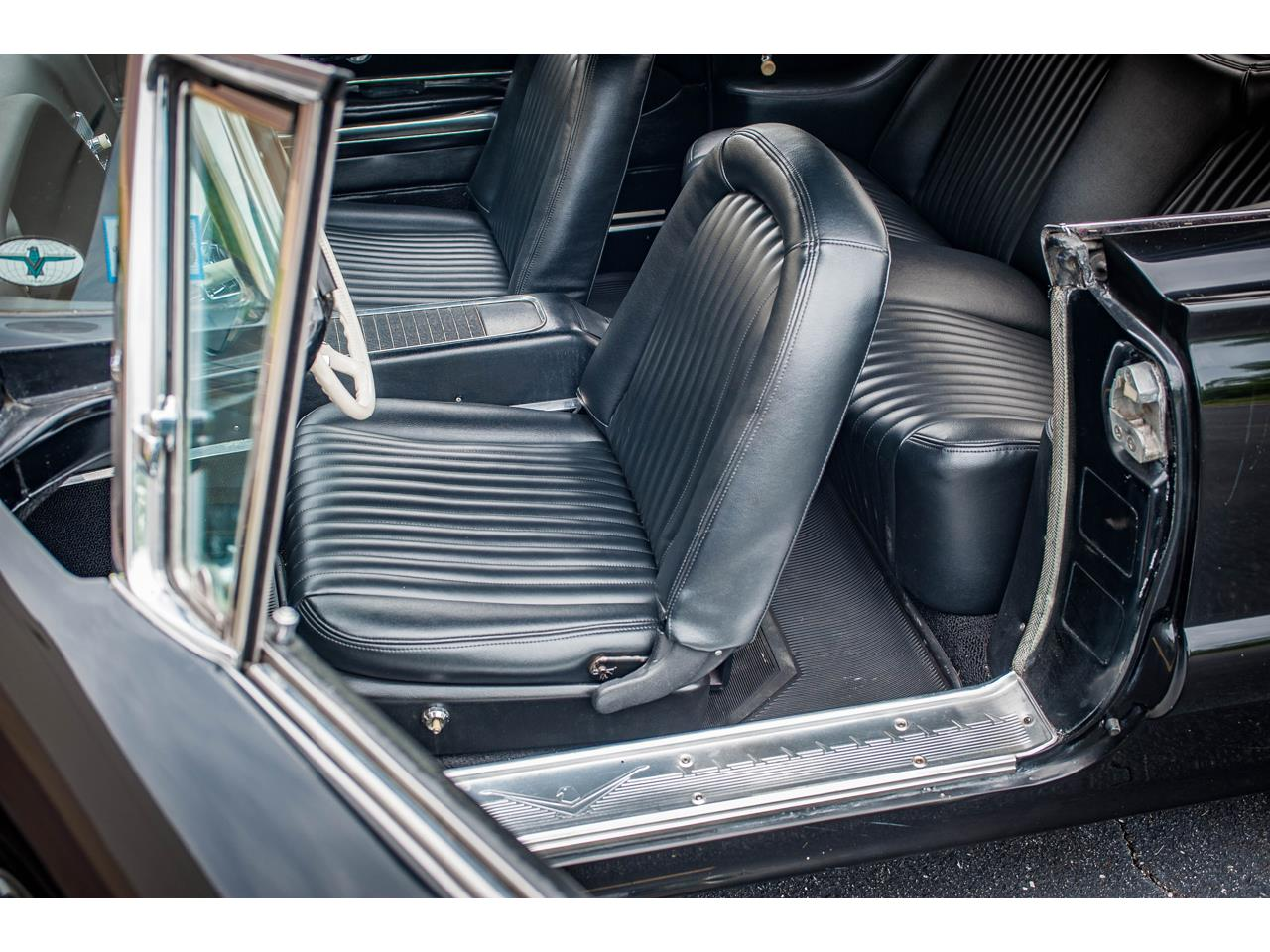 Large Picture of Classic 1960 Thunderbird Offered by Gateway Classic Cars - St. Louis - QB9W