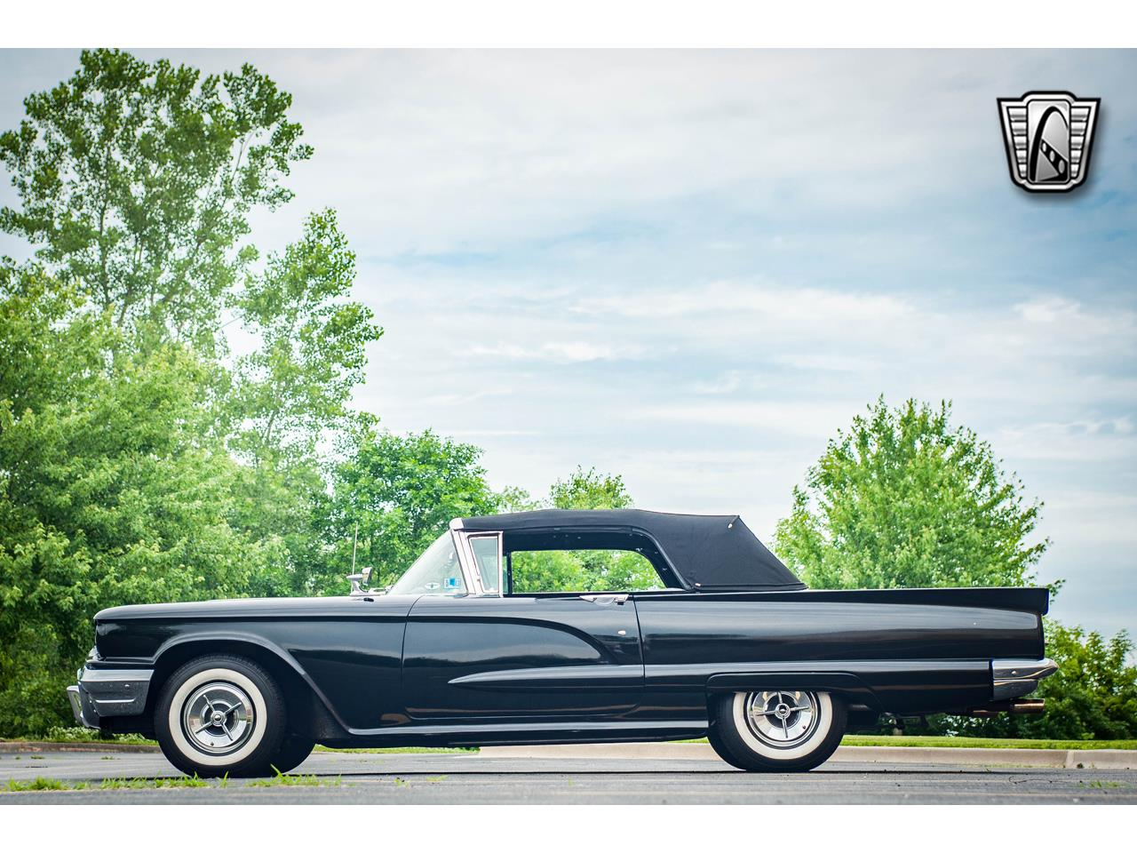 Large Picture of Classic '60 Ford Thunderbird located in O'Fallon Illinois Offered by Gateway Classic Cars - St. Louis - QB9W