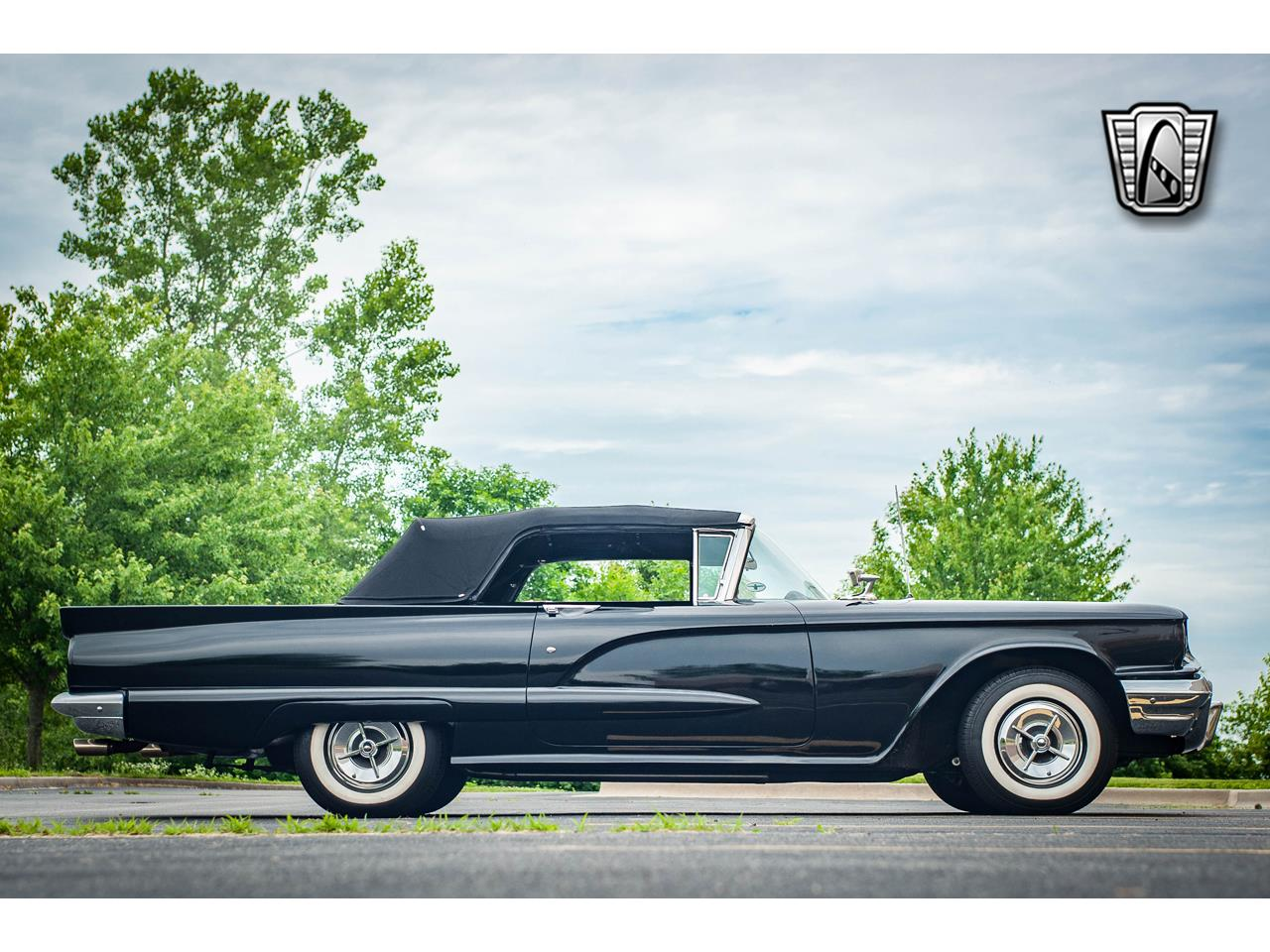 Large Picture of Classic 1960 Ford Thunderbird - $40,500.00 - QB9W